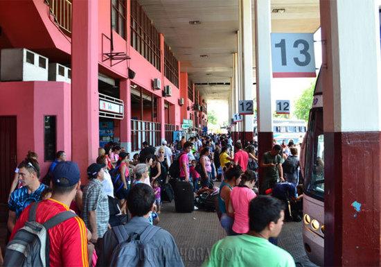 Intensa jornada en la Terminal de Ómnibus